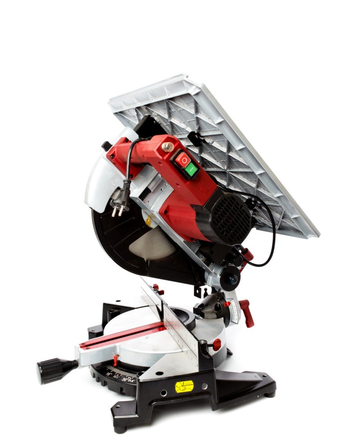 Пила торцовочная универсальная Redverg RD-MSU305-1400